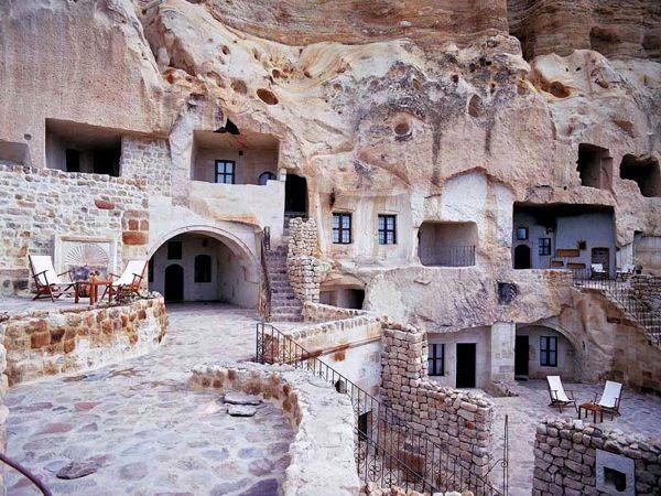 Gamirasu-cave