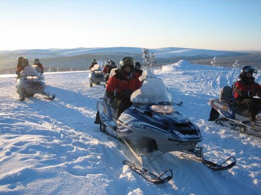 Courses de motoneiges dans le Grand Nord